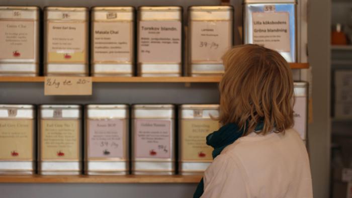 Det är teet som säljer bäst och som gör att det luktar gott i butiken – Ylva, Båstad