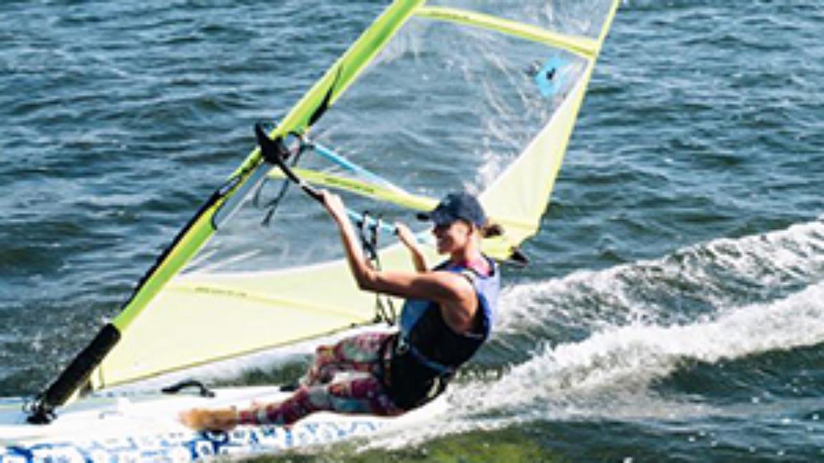 Prova på vindsurfing under Seglarveckan