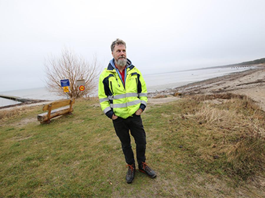 Kommunen undersöker det otjänliga badvattnet