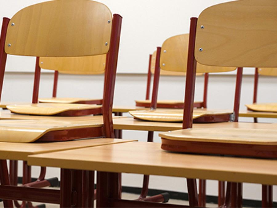 Högstadie- och gymnasieskolan övergår till växelvis undervisning