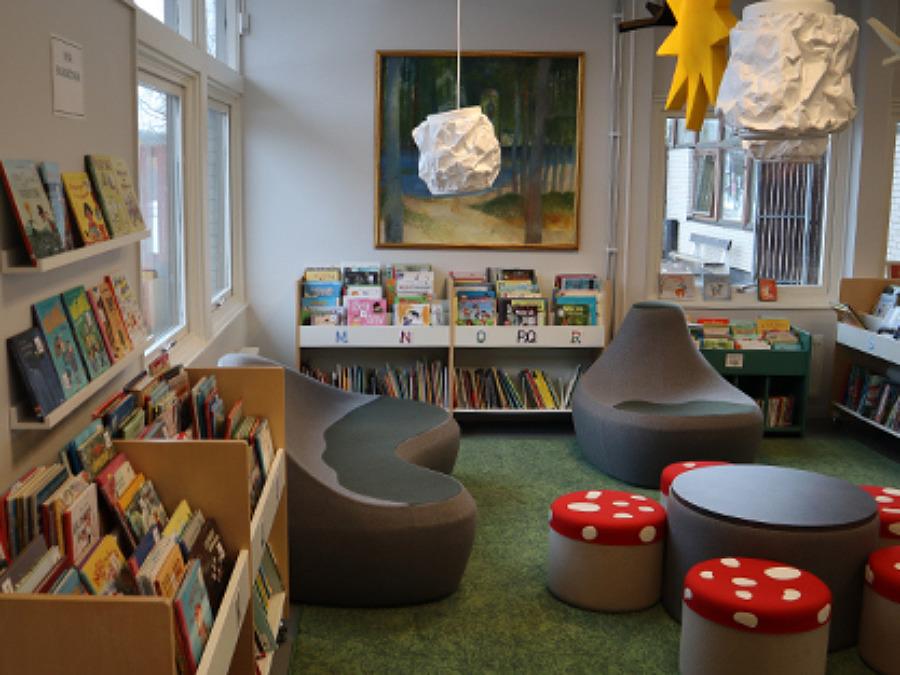 Med skogen som tema står det nyrenoverade biblioteket i Förslöv nu klart