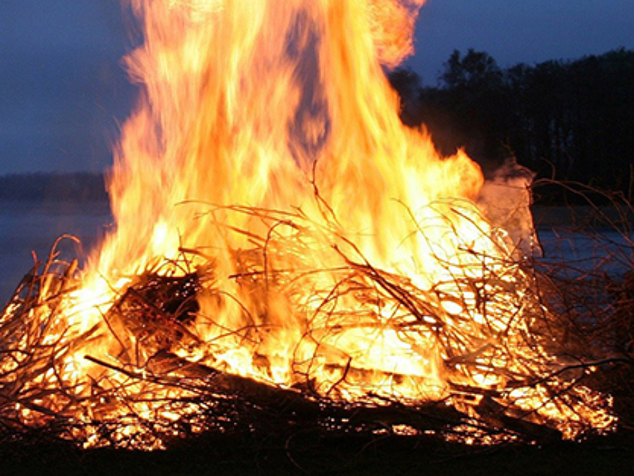 Våren är här – vi tipsar om regler för eldning ute